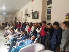 Grupo de jovens da AJS visita o Asilo Dom Bosco